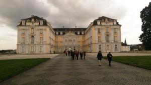Casino-Fahrt-zum-Schloss-Augustusburg-Bruehl-bei-Koeln